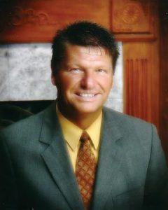 Pastor_Tom_2004_lg72